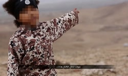 Sreen grab from Guardian's pixelated screen grab of ISIS video.